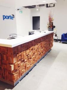Porte Front Desk